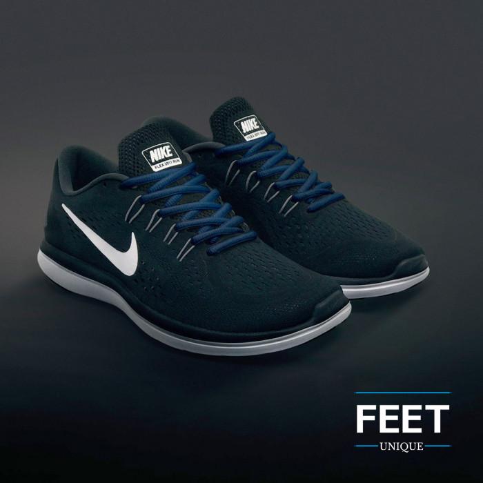 Ovale marineblauwe schoenveters
