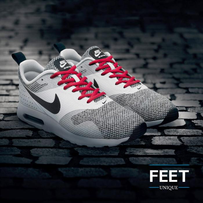 Ovale rode schoenveters